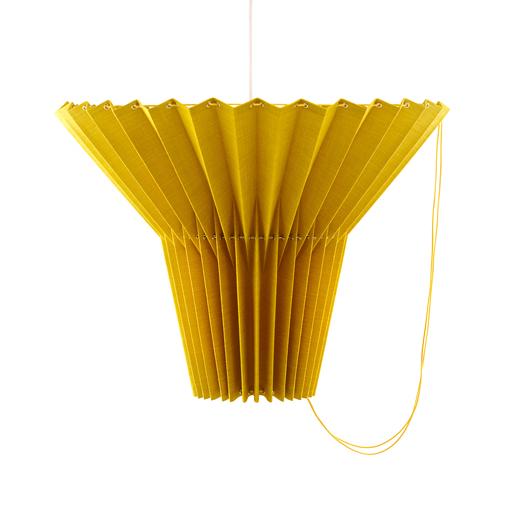 greta_yellow