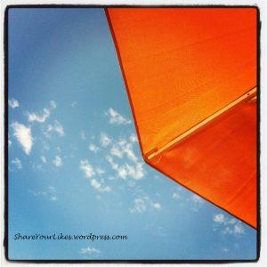 Η ευτυχία είναι κάποιες φορές μπλε-πορτοκαλί :)