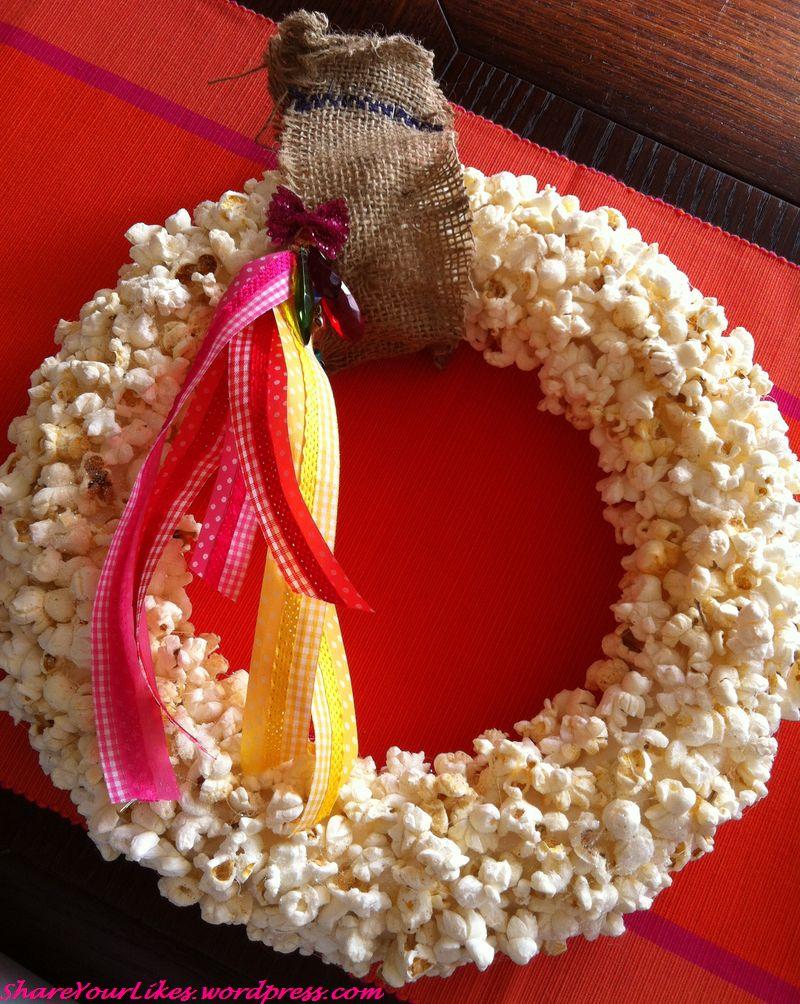 popcorn wreath