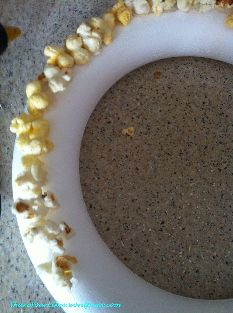 popcorn wreath1