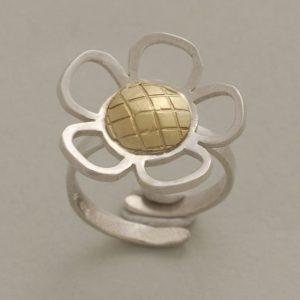 handmade-daisy-sterling-silver-ring-by-SilverJewelleryPlus-D3587