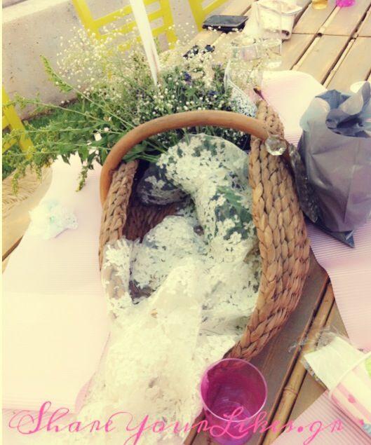 picnic_βάφτιση_party_διακόσμηση_ψάθινο_καλάθι_δαντέλα