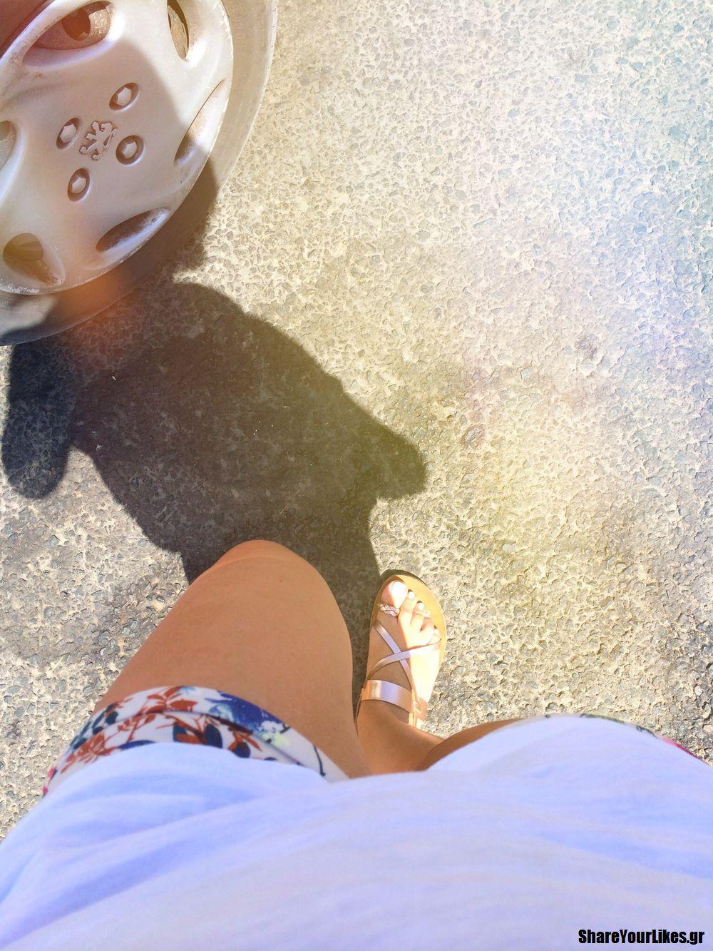 feet selfie_weareback