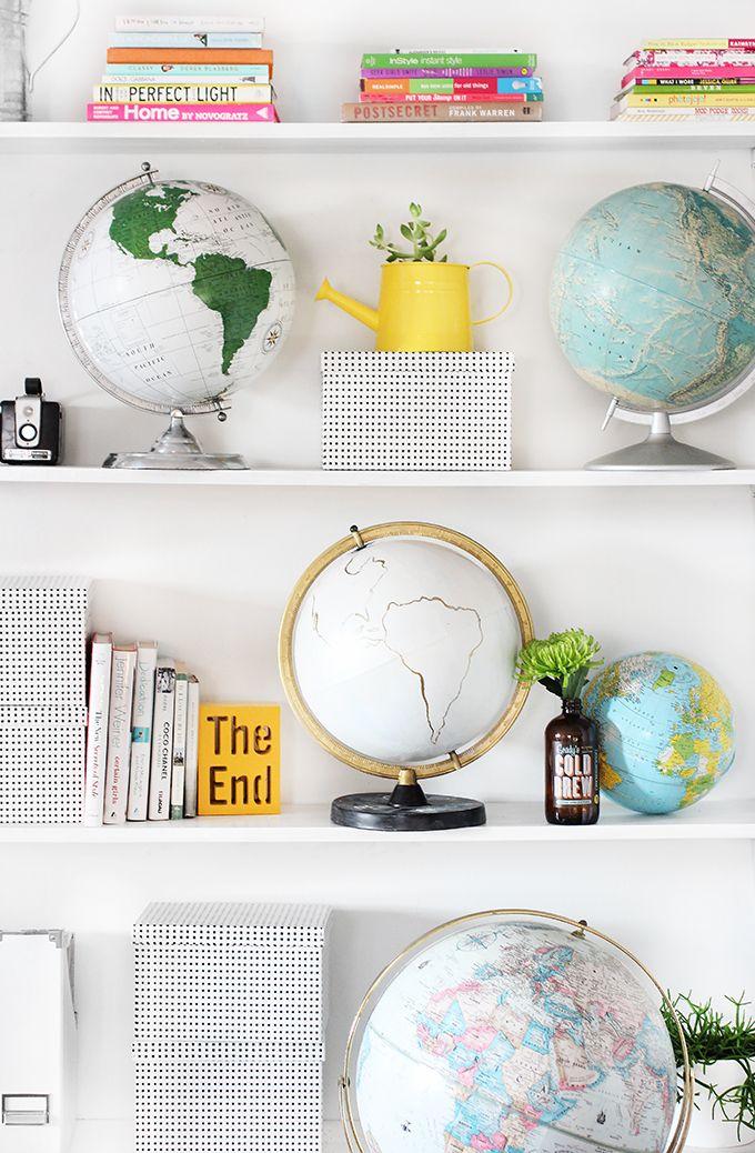 via http://ispydiy.com/my-diy-gold-chalkboard-globe/