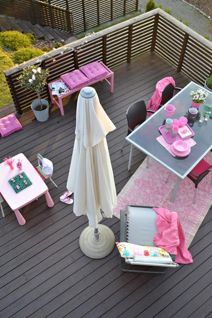image via http://www.kronprinsessene.com/2011/06/velkommen-til-var-kro.html