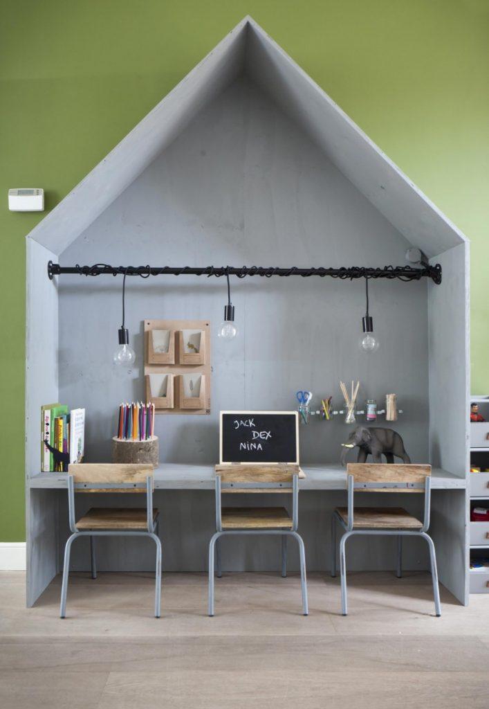 via http://www.vtwonen.nl/diy/speelhoek-bureauhuisje-van-underlayment/