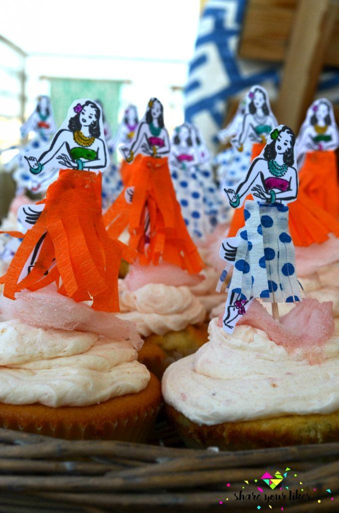 afrata cupcakes_akis petretzikis_xavanezes toppers
